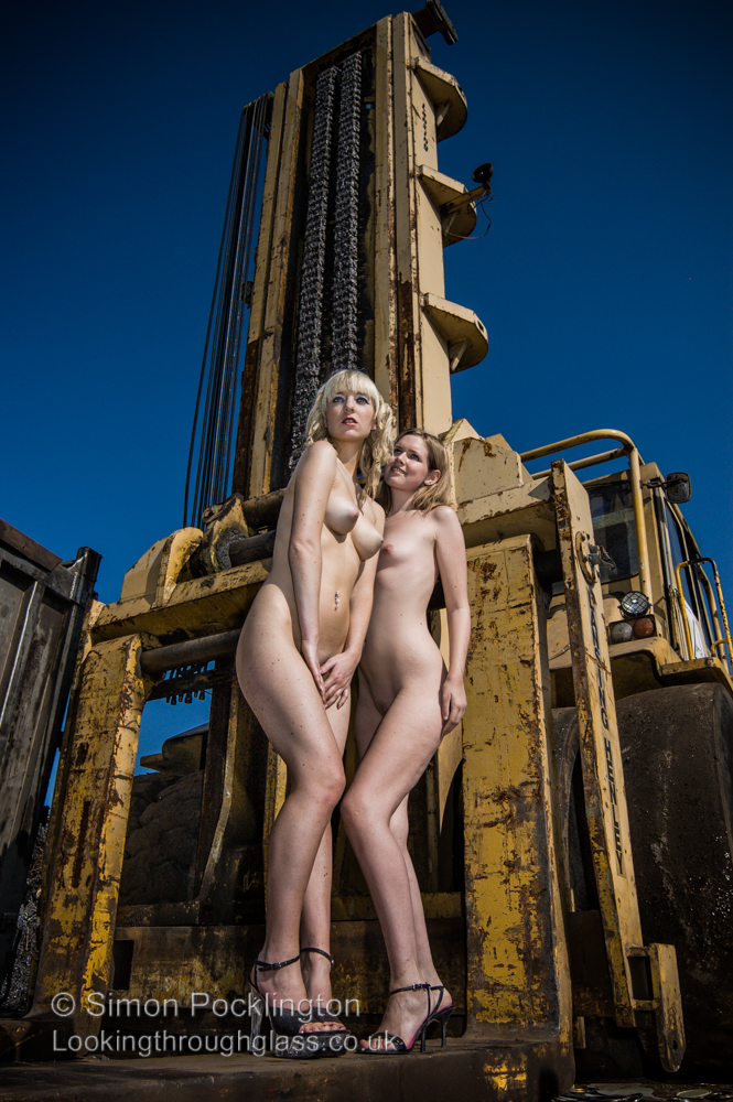 Scrapyard girls glamour nudes