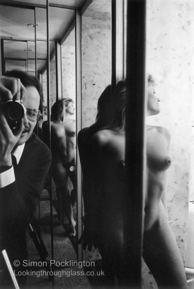 photographing nude women